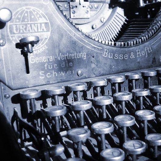 Über hundert Jahre alte Schreibmaschine