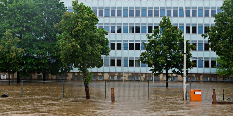 Hochhaus im Überflutungsgebiet