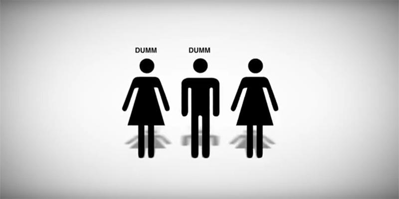 """3 Icons von Menschen, zweimal steht """"dumm"""" darüber"""