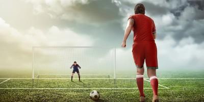 Elfmeter: Spieler und Torwart