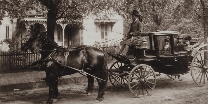 Pferdekutsche (Schwarzweißfoto)